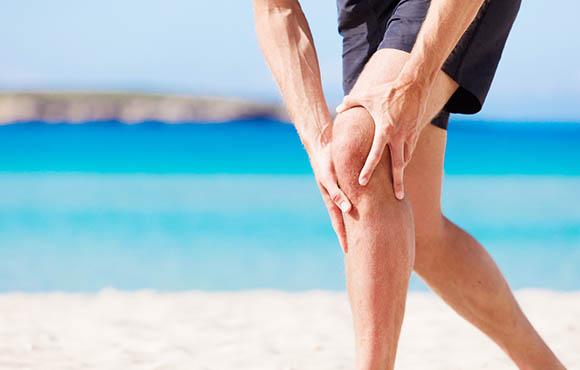 Itt van egy összefoglaló a 5 egészségügyi feltételek, amelyek fájdalmat okozhatnak a láb.