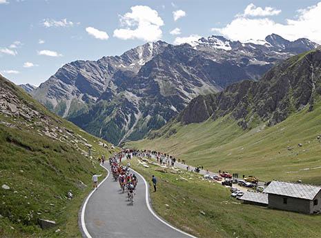 How to Train Like a Tour de France Cyclist