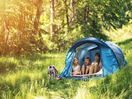 8 Reasons Camping is Good for Your Kids