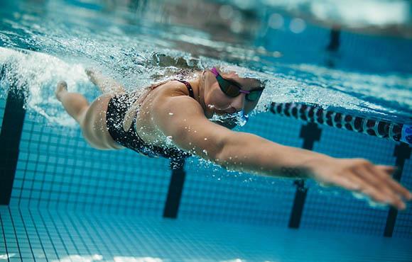Swimmer body stroking with big cumshot 8