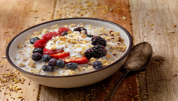 Breakfast Cereal With Yogurt and Fresh Fruit