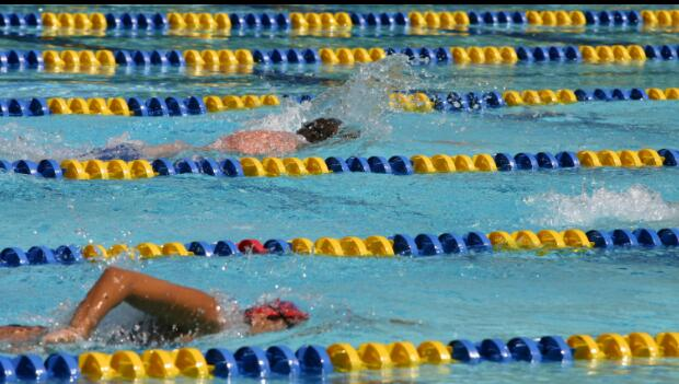 Busy Pool Lap Swim Etiquette For Sharing Lanes Active
