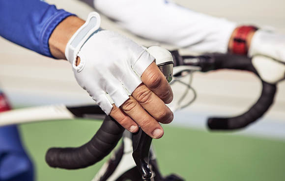How to Keep Your Hands From Going Numb on the Bike | ACTIVE