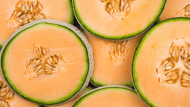 8 Hydrating Foods To Eat While Training In Hot Weather Active A cup of fresh cantaloupe has just 60 calories and provides plenty of vitamin c, vitamin a, and potassium. https www active com fitness articles 8 hydrating foods to eat while training in hot weather