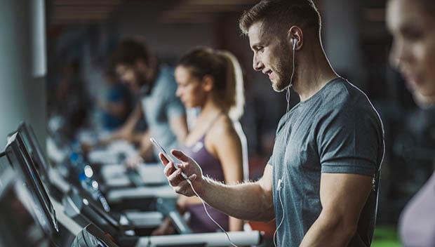 Man+on+treadmill+with+music carousel