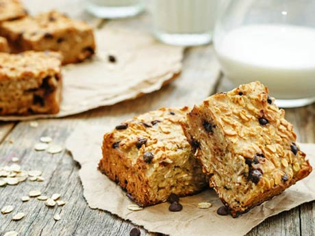 Perfect Packable Oatmeal Bars for Summer Camp