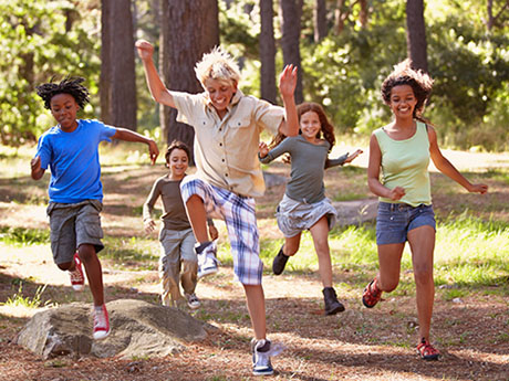 5 Equipment-Free Camping Games the Whole Family Will Love