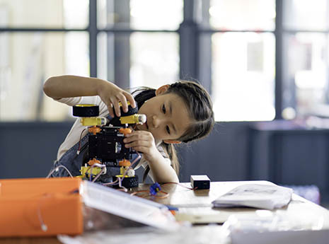 How to Help Your Kids Thrive in STEM