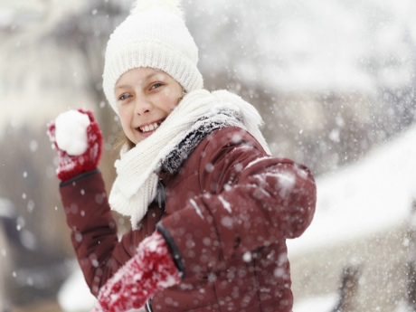 Girl+throwing+snowball-front