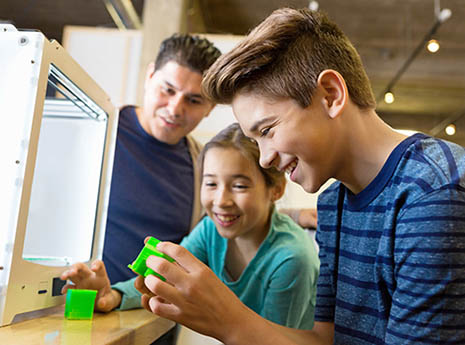 Kids+with+3d+printer-front