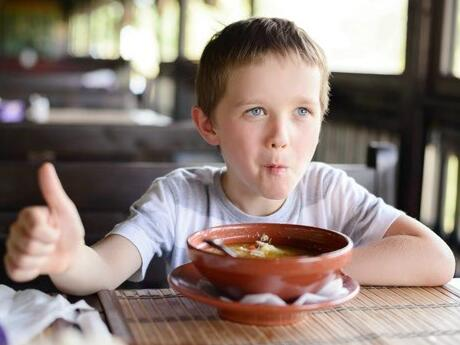 8 Genius Tips for Eating Out with Kids