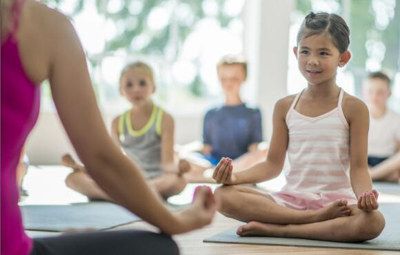 The Benefits of Family Yoga | ACTIVEkids
