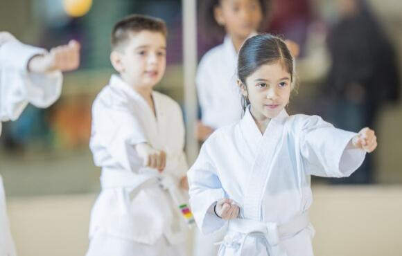 How to Choose the Right Karate Classes For Kids Near Me