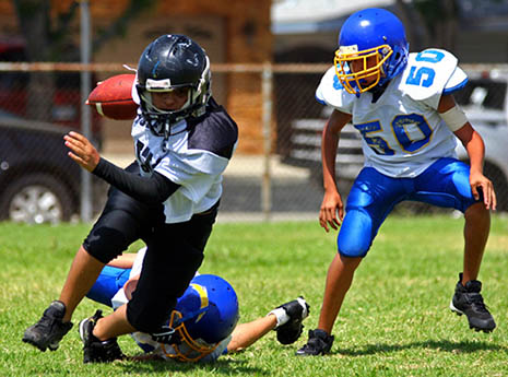 What to Expect at a Youth Football Camp