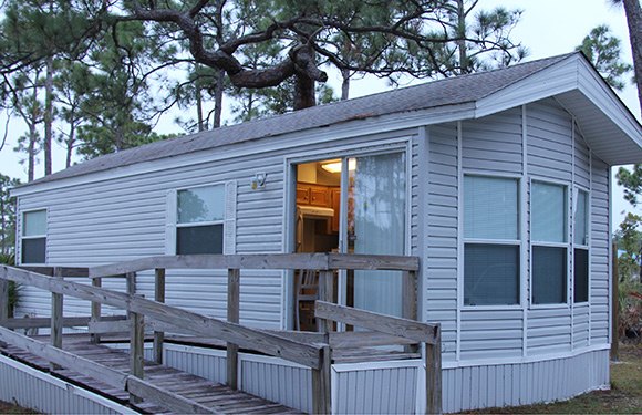 Jonathan Dickinsonu0027s 11 Cabins Are Located Near The Loxahatchee River, Just  South Of Stuart. All Cabins Are Furnished And Have One Bedroom With A Queen  Or ...