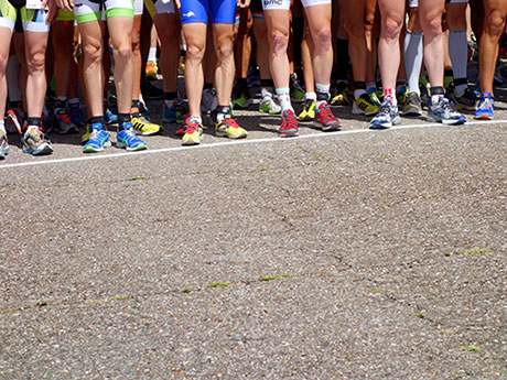 Runners and Foot Injuries: 4 Causes of Foot Pain | ACTIVE