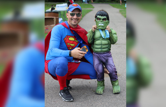 Superman and Little Hulk  sc 1 st  Active.com & 20 Awesome Race-Day Costumes | ACTIVE