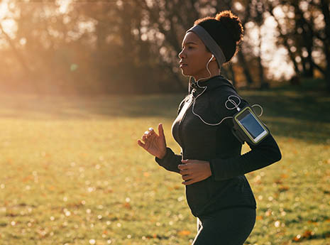 Woman+running front