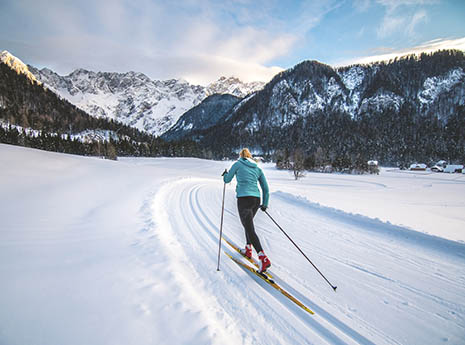 Cross+country+skiing front