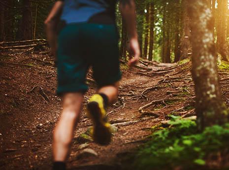 Man+trail+running front