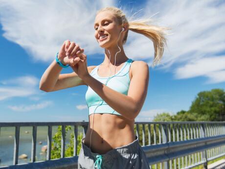 4 Football Field Running Workouts | ACTIVE