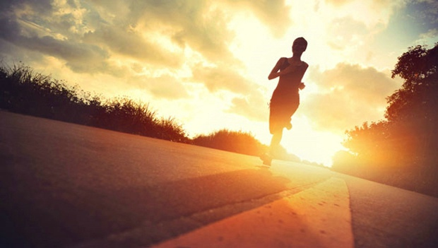 is it better to run in the morning or the evening active