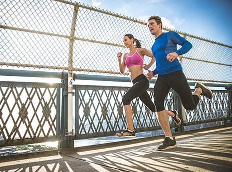 Runners+on+a+bridge front