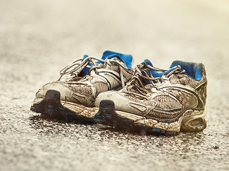5 Signs It's Time to Ditch Your Running Shoes