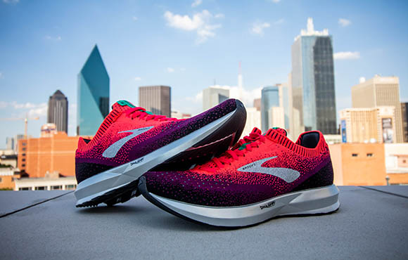 78fca7ab1274 The smooth ride coupled with a springy midsole make for a quick and  responsive experience.