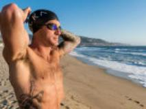 How to Navigate the Surf in a Triathlon