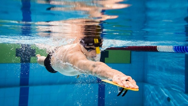 Strength training in the pool active - Swimming pool management software ...