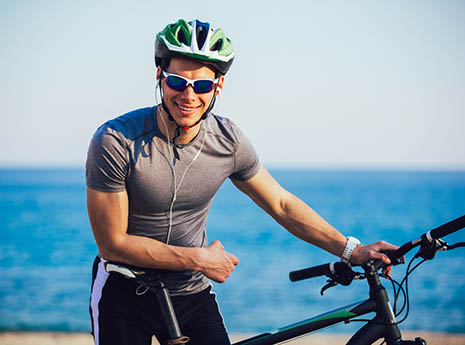 Cyclist+with+headphones front